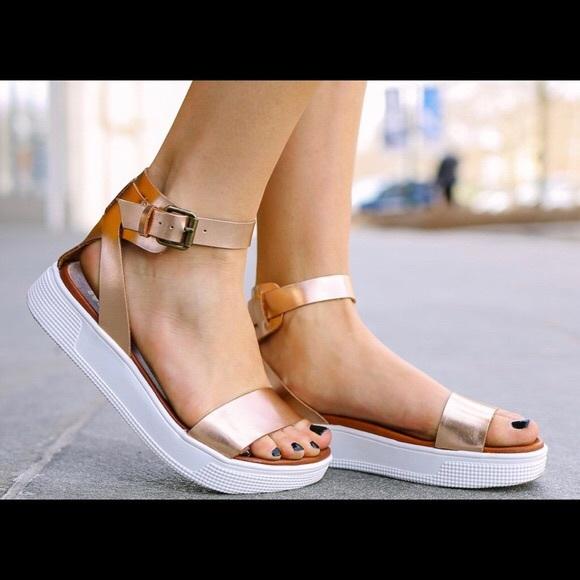 b25a91a30a2 MIA Women s Ellen Platform Sandal in Rose Gold